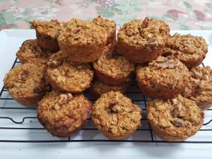 carrot-date-walnut-ginger-oat-muffins-1
