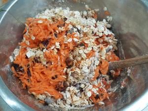 carrot-date-walnut-ginger-oat-muffins-3