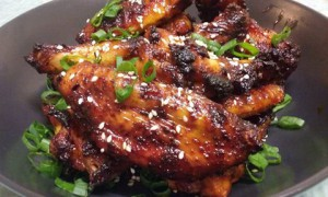 Spicy Korean wings with salad 1