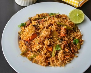 RESTAURANT STYLE VEGETABLE BIRYANI 1a